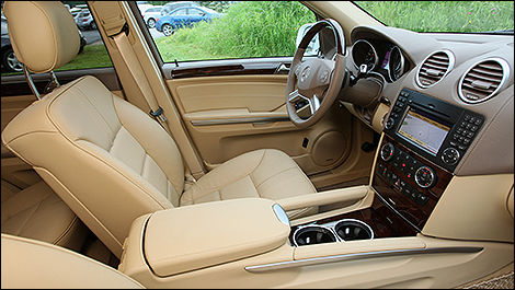 2009 Mercedes-Benz ML550 cabin