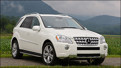 2009 Mercedes-Benz ML550 3/4 view