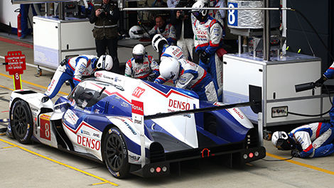 Pit stop of the No. 8 Toyota TS040