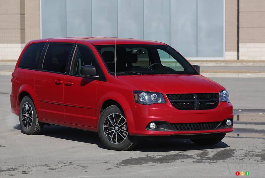 2014 dodge grand caravan sxt blacktop review editor 39 s review car reviews auto123. Black Bedroom Furniture Sets. Home Design Ideas