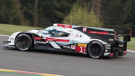Endurance Comparing The Two Versions Of The Audi R Etron Quattro - Audi r18 e tron quattro