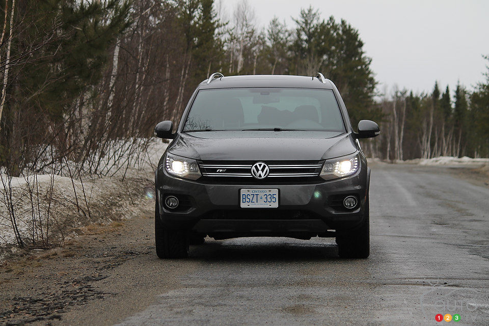 2014 volkswagen tiguan r line review editor 39 s review car. Black Bedroom Furniture Sets. Home Design Ideas