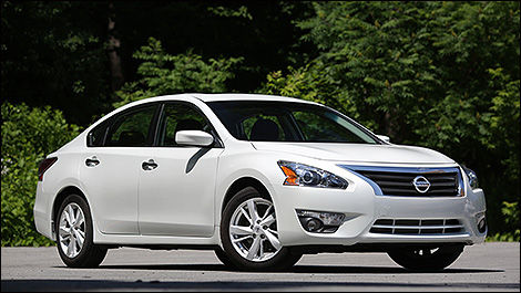 driver in altima car photo model review original nissan reviews s depth and