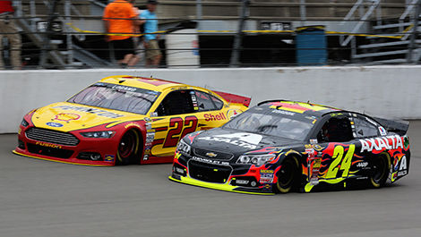 Joey Logano, No. 22 Shell-Pennzoil Ford, and Jeff Gordon, No. 24 Axalta Chevrolet.