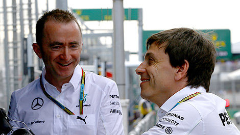 F1 Paddy Lowe Mercedes AMG Toto Wolff