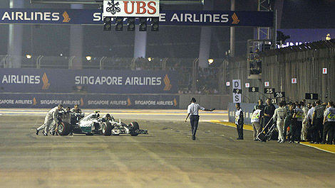 F1 Nico Rosberg Mercedes retirement Singapore