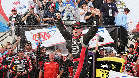 Jeff Gordon celebrates in Dover.