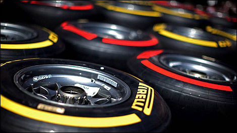 F1 Pirelli red yellow