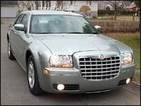 2005 chrysler 300 touring and 300c editor 39 s review car. Black Bedroom Furniture Sets. Home Design Ideas