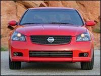 2005 Nissan Altima SE R (photo: The Car Family)