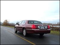 2003 Lincoln Town Car Cartier L Road Test Editor S Review Car