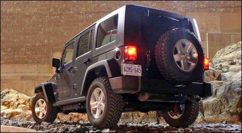 essai jeep wrangler unlimited rubicon 2007 essai routier essais routiers auto123. Black Bedroom Furniture Sets. Home Design Ideas