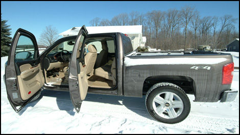 2007 chevrolet silverado 1500 crew cab ltz 4wd road test. Black Bedroom Furniture Sets. Home Design Ideas