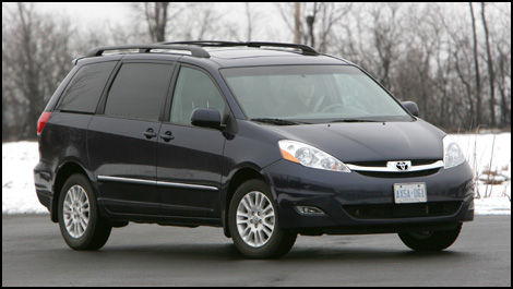 Looking For The Cadillac Of Minivans Get Yourself A Toyota Sienna Xle Awd Limited
