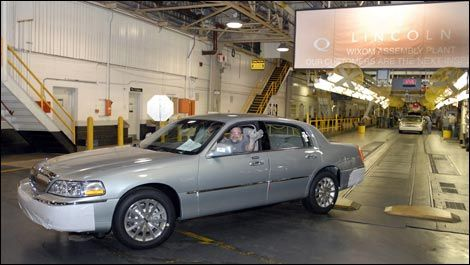 The Last Vehicle That Rolled Off Embly Line Was A 2007 White Chocolate Lincoln Town Car Set To Be Delivered Dealership In Gaithersburg