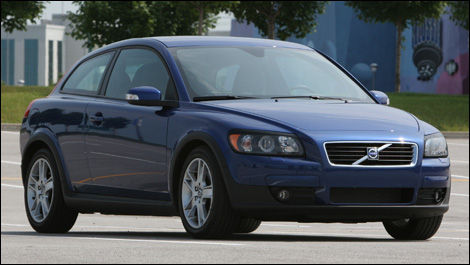 2007 Volvo C30 24i Road Test Editors Review Car Reviews Auto123