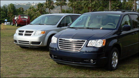2008 Dodge Grand Caravan And Chrysler Town Country First
