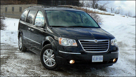 2008 chrysler town and country limited road test editor 39 s review car news auto123. Black Bedroom Furniture Sets. Home Design Ideas