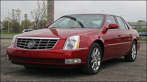2000 2006 Cadillac Deville Dts Pre Owned Car News Auto123