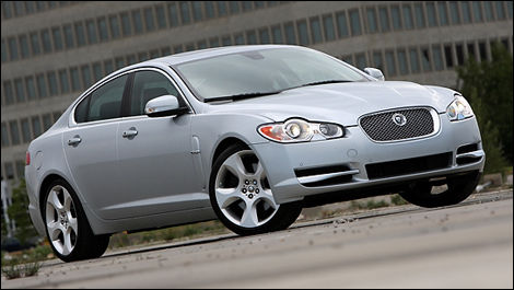 2009 Jaguar XF Supercharged Review (video)