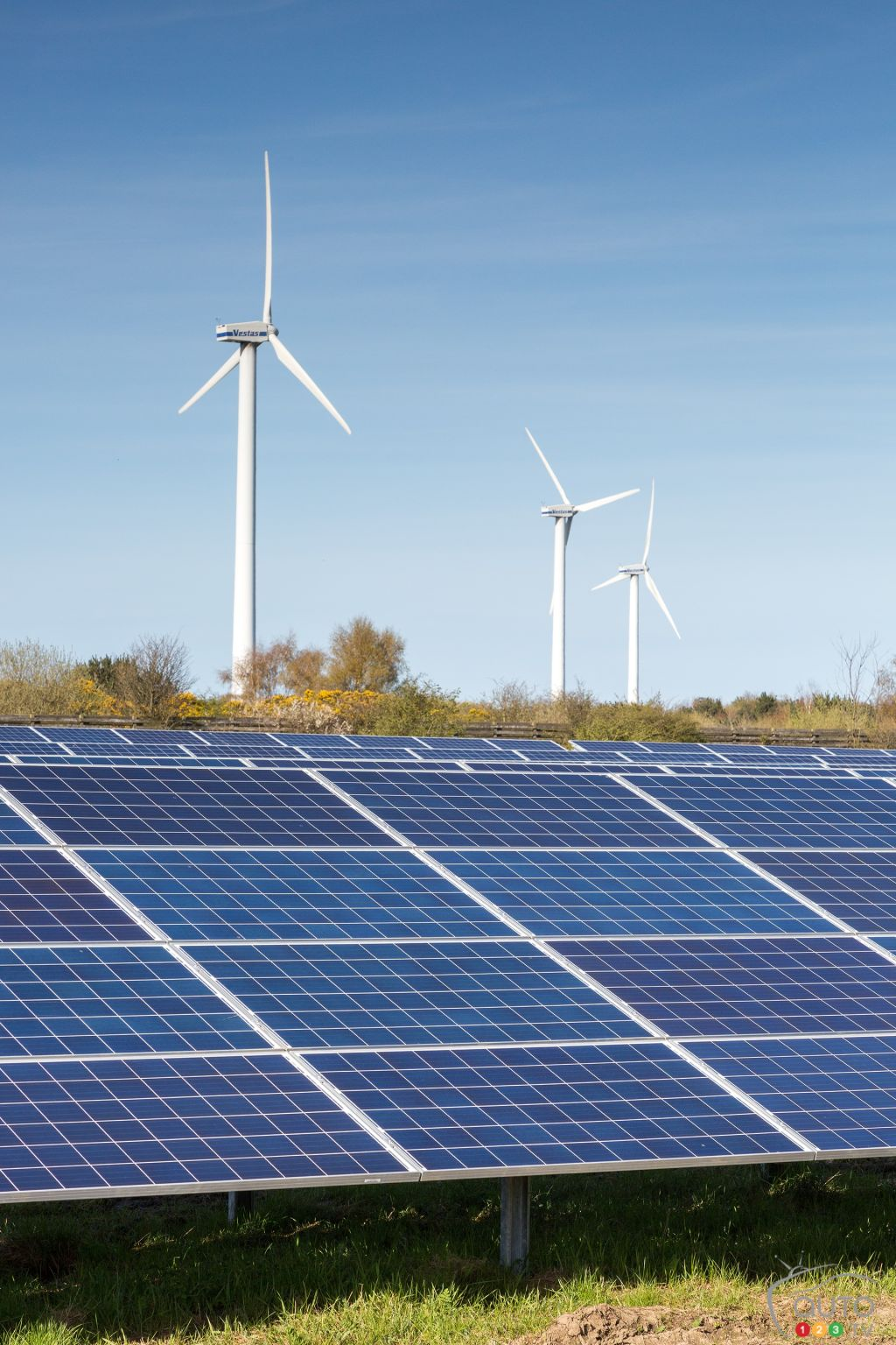Nissan Plant In Europe Now Running On Solar And Wind Power