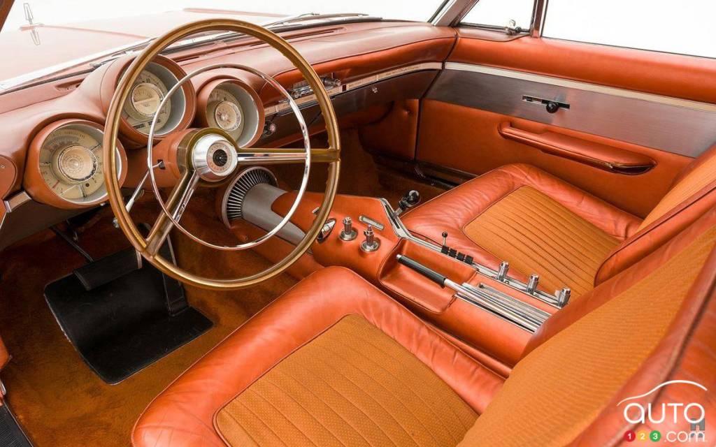La Chrysler Turbine 1963, intérieur