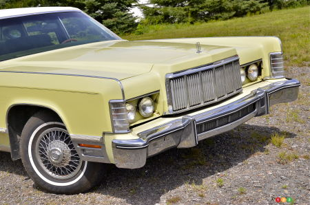 1975 Lincoln Town Coupe Continental, headlights
