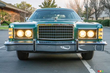 1978 Ford Country Squire, headlights