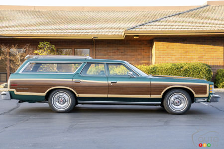 1978 Ford Country Squire, side view