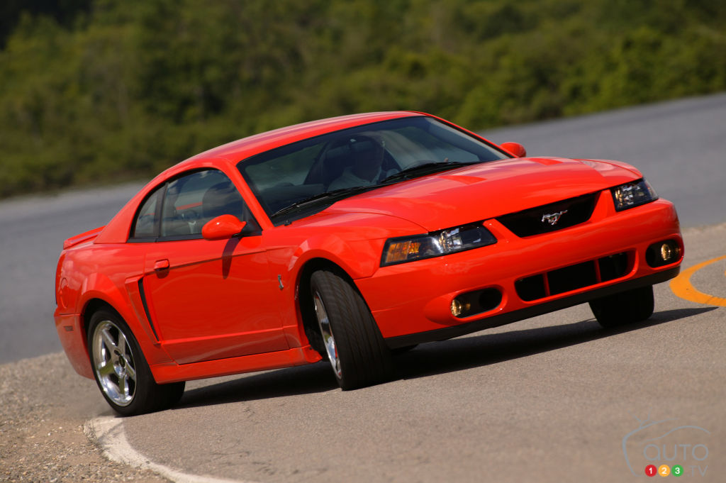 Ford Mustang SVT 2004