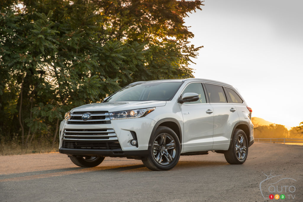 photo toyota canada 2017 toyota highlander hybrid