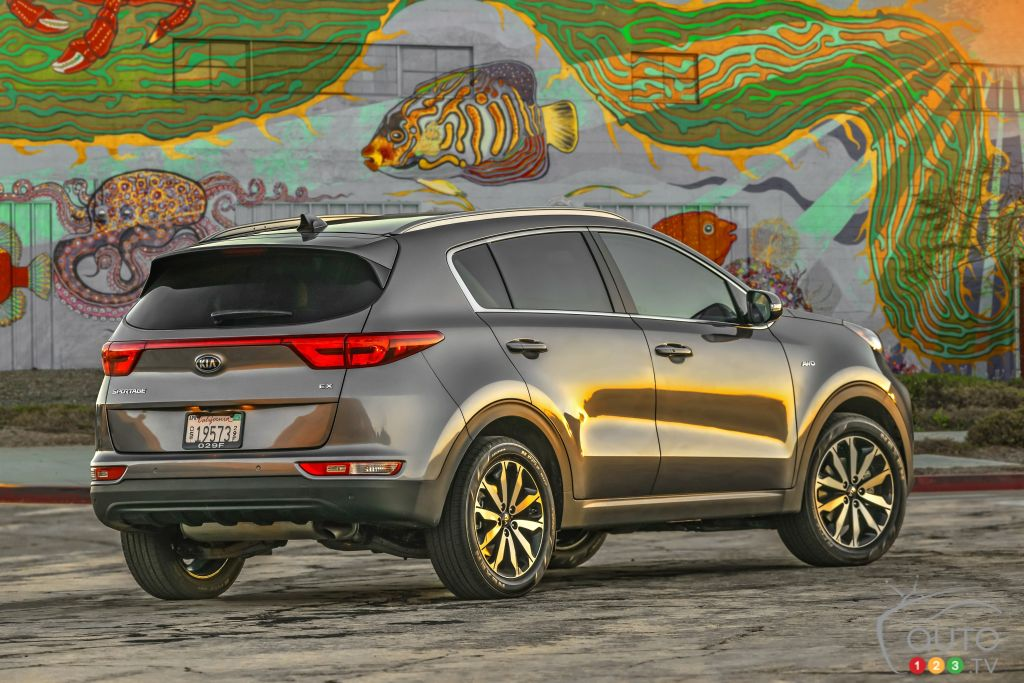 Cargo Capacity Ranges From 798 To 1,703 Litres, And Towing Capacity Is  2,000 Lbs. Read Our Review Of The 2017 Kia Sportage!