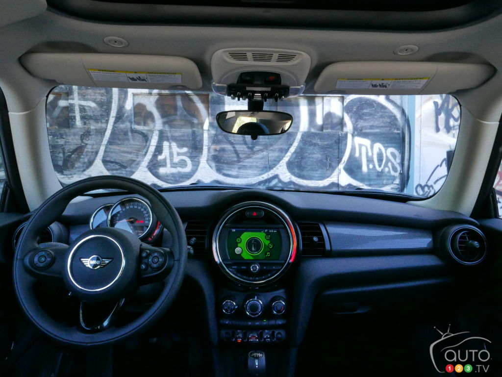 Review of the 2018 MINI Cooper 3-Door | Car Reviews | Auto123