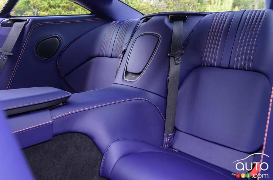 Aston Martin DB11 2020, deuxième rangée