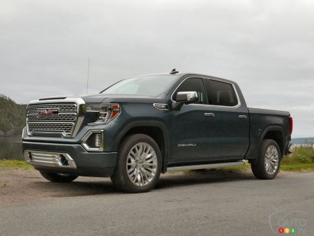 first drive of the 2019 gmc sierra denali car reviews auto123. Black Bedroom Furniture Sets. Home Design Ideas