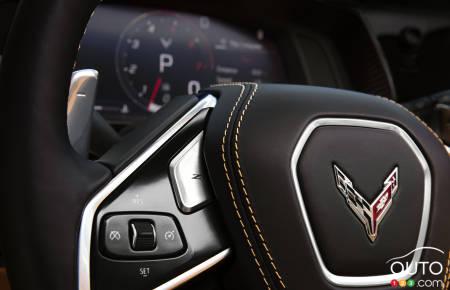 Badging on steering wheel, Chevrolet Corvette