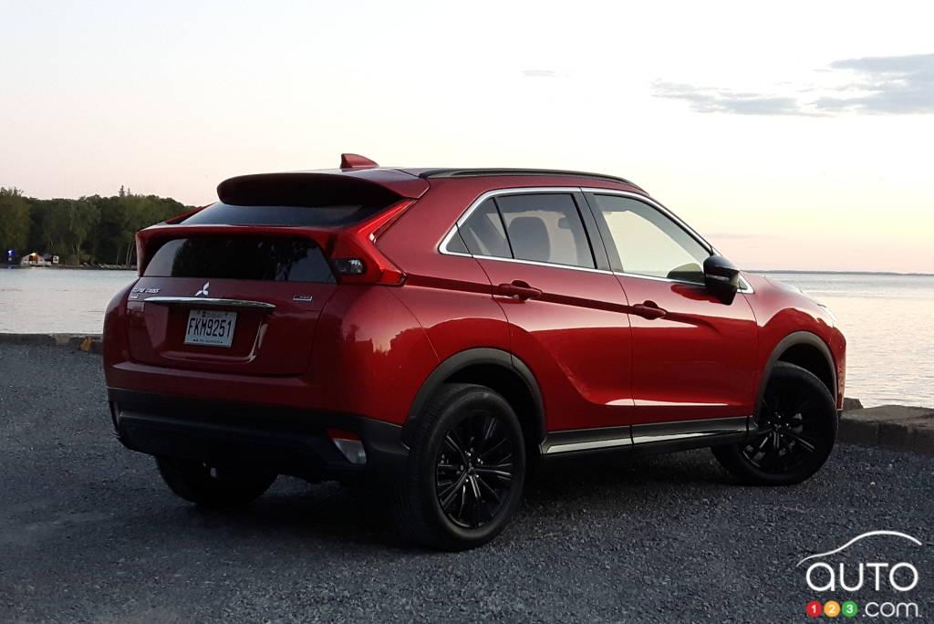 Mitsubishi Eclipse Cross 2020, trois quarts arrière