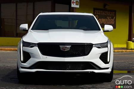 2020 Cadillac CT4-V, front