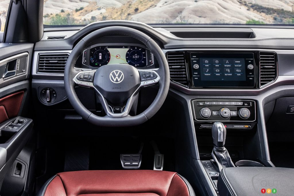 Volkswagen Atlas Cross Sport 2020, volant, tableau de bord