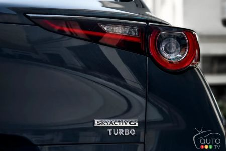 Mazda CX-30 turbo 2021, écusson