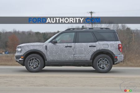 2021 Ford Bronco, profile