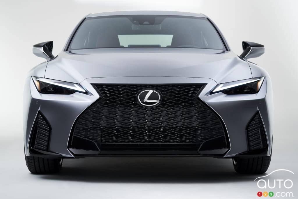 Lexus IS 2021, avant