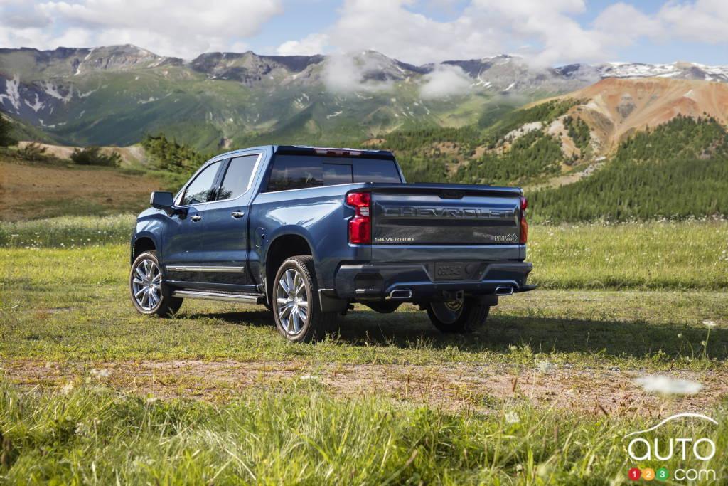 Chevrolet Silverado High Country 2022, trois quarts arrière