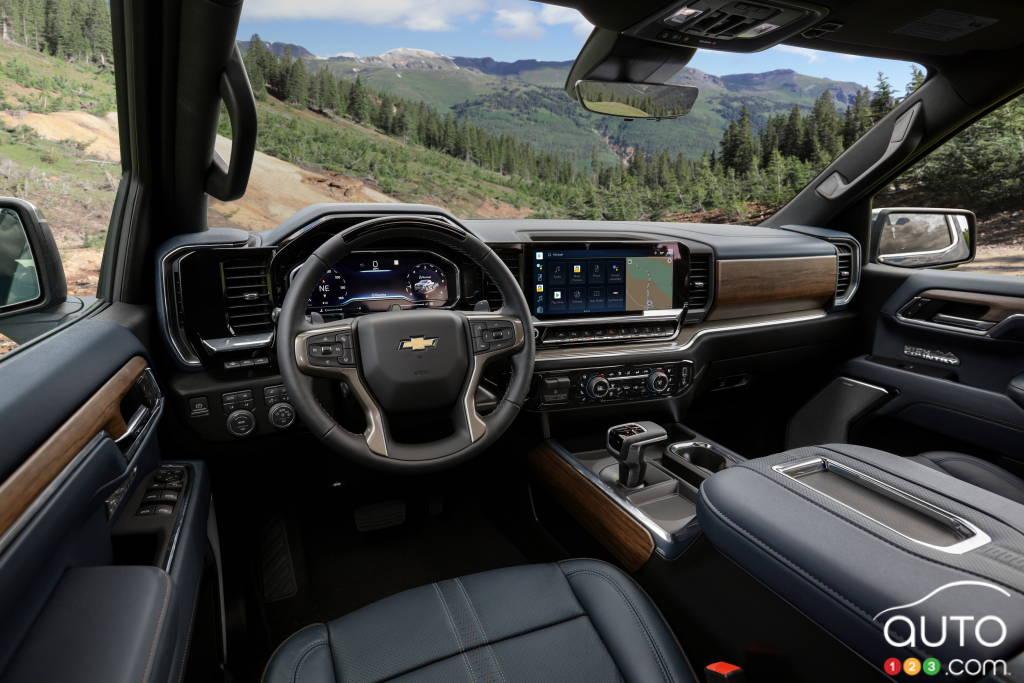 Chevrolet Silverado High Country 2022, intérieur