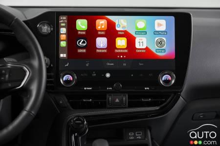 2022 Lexus NX 350, multimedia screen