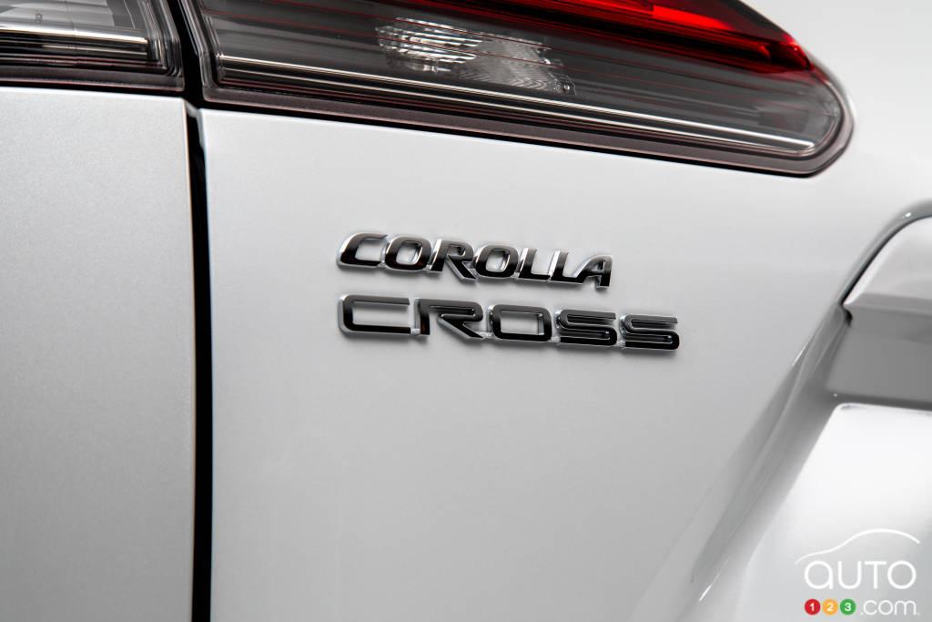 Toyota Corolla Cross, écusson