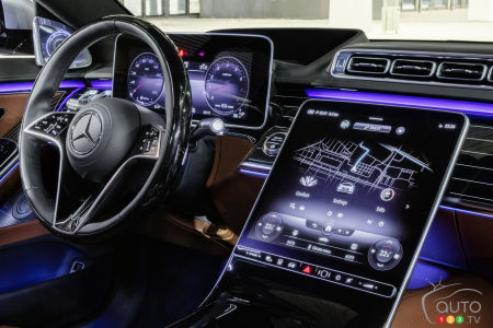 2021 Mercedes-Benz S-Class, central console