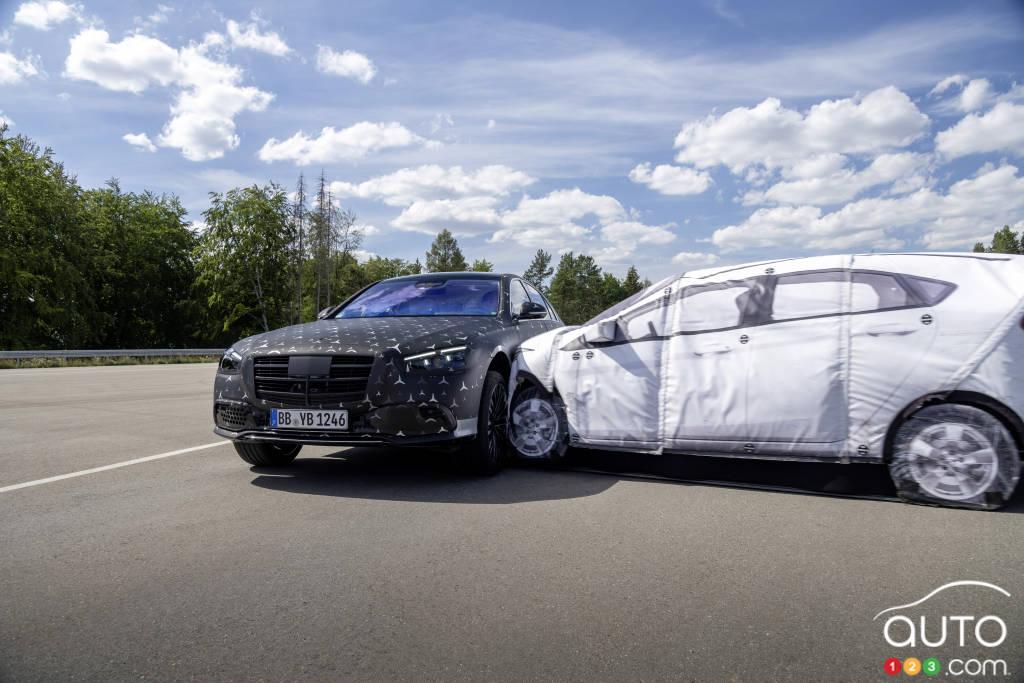 Mercedes-Benz Classe S 2022, lors d'une collision latérale