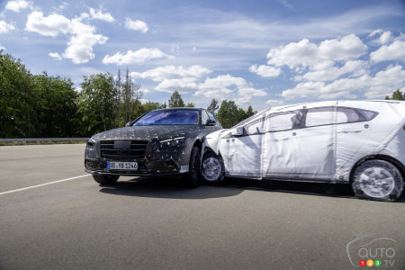 2022 Mercedes-Benz S-Class, during a lateral impact