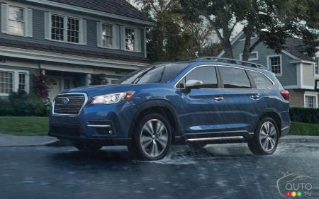 2021 Subaru Ascent, three-quarters front